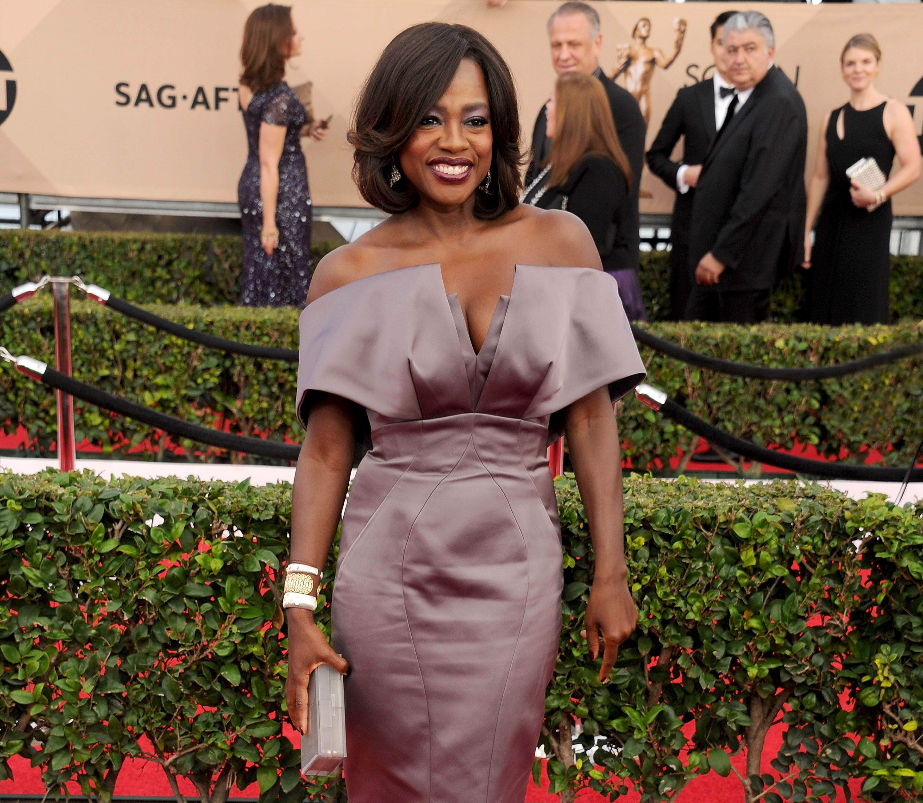 Who wore what this weekend: 10 best looks from the SAG Awards