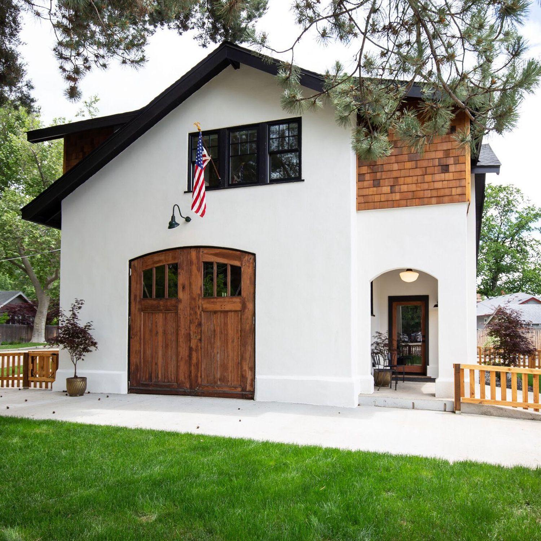 Best S02 E08 Boise Boys White Window Trim Shingle Siding 640 x 480