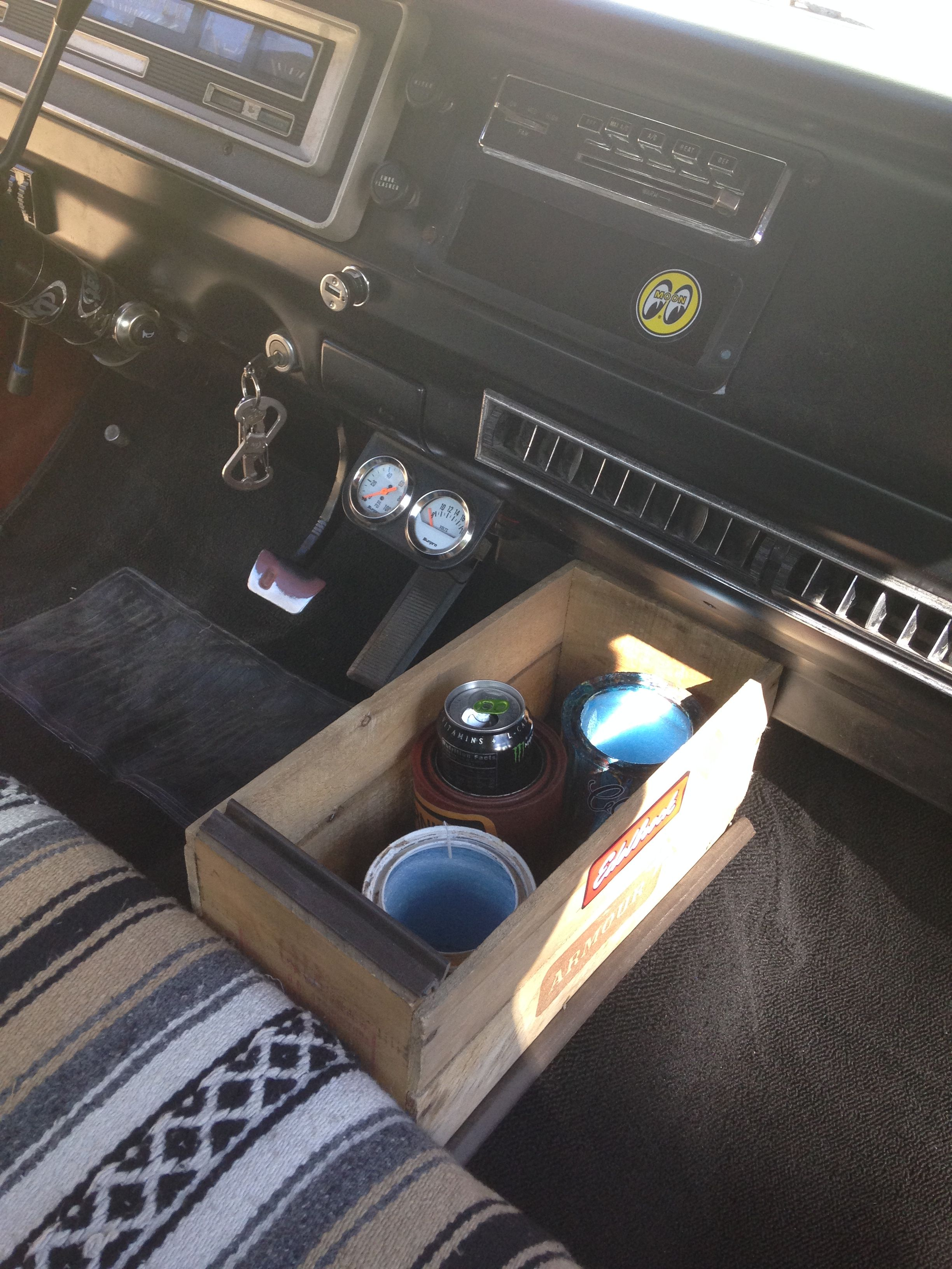 1970 Dodge D100 Interior Consol With Cool Custom Cup Holders Dodge Sweptline Pinterest