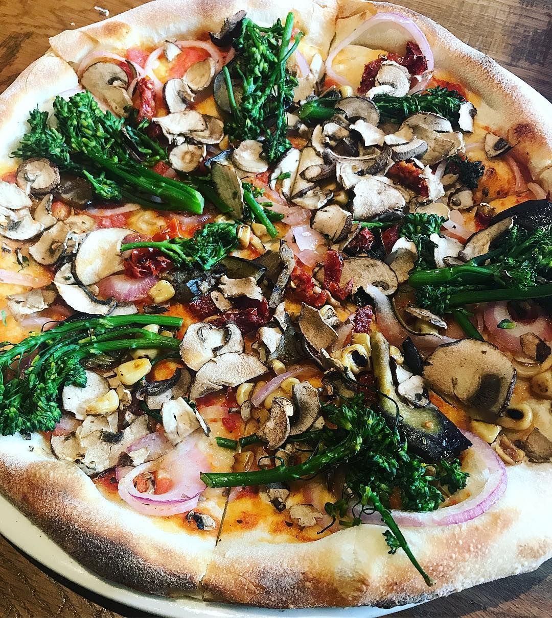 It\'s Easy to Eat Vegan at California Pizza Kitchen | peta2 | Vegan ...
