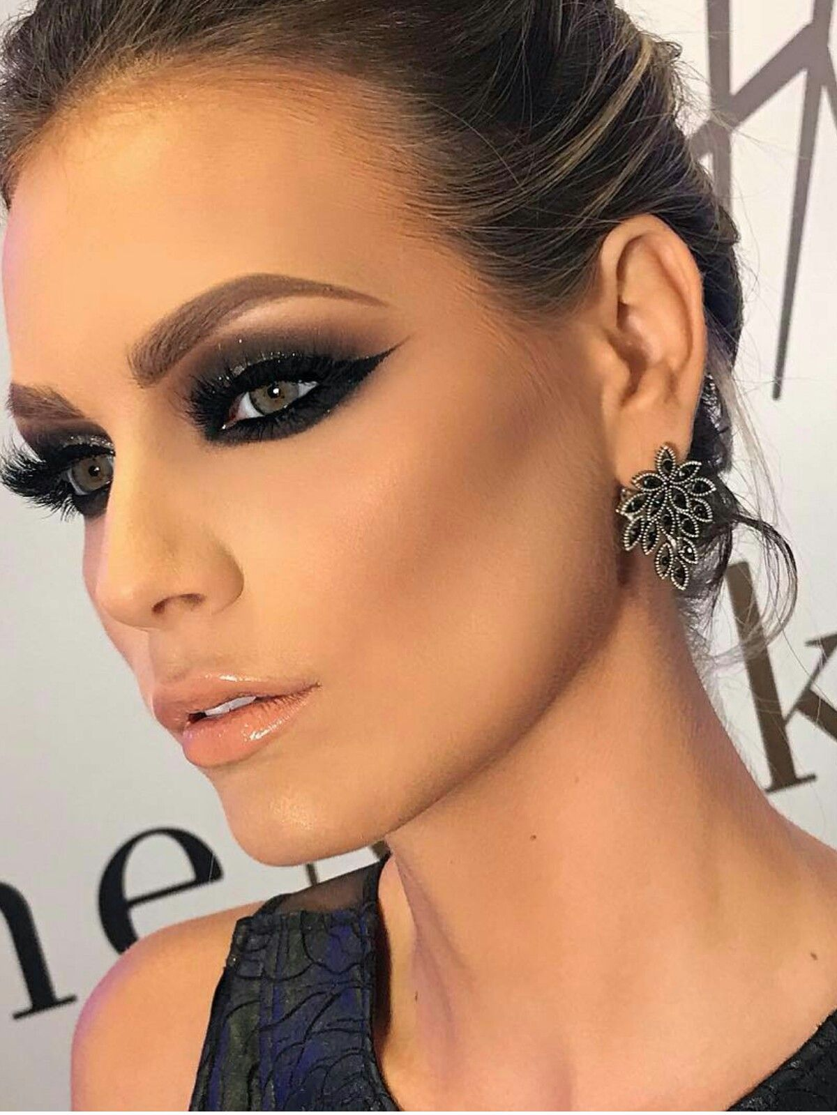Pin by Nestor Vega on Beautiful Black smokey eye, Smokey