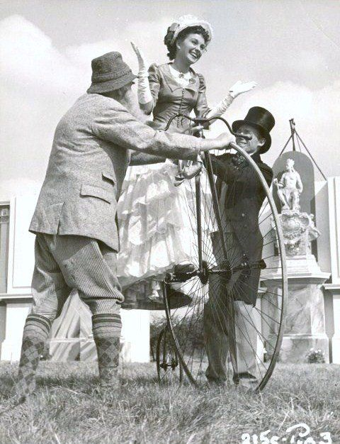 JEAN SIMMONS ON A PENNY-FARTHING BICYCLE - 1950 MYSTERY