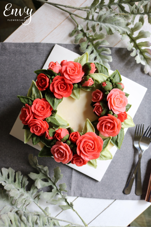 Simple Rose Wreath Cake #cakedecorating #buttercream # ...
