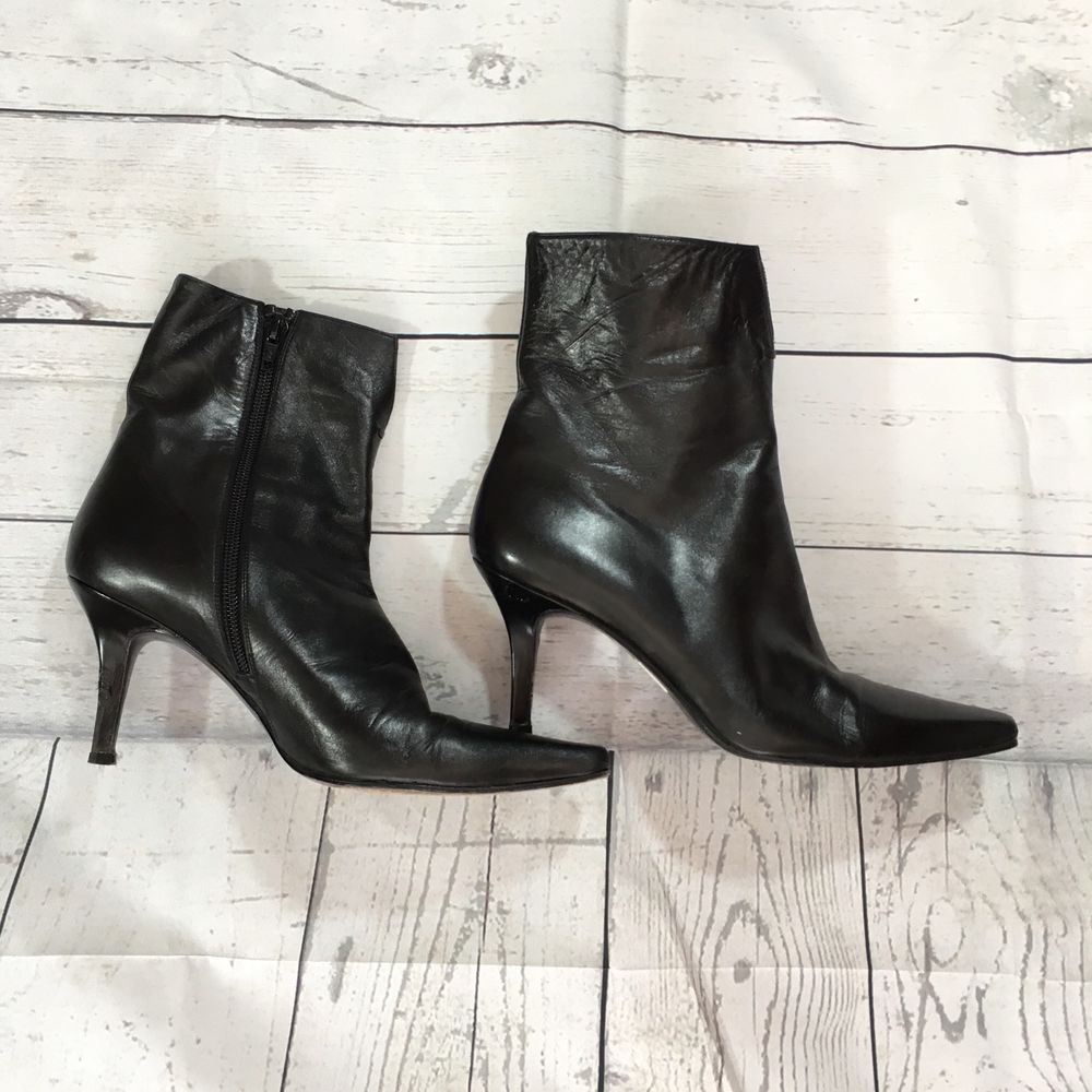 $498 Stuart Weitzman Women's Black Leather High Heel Ankle