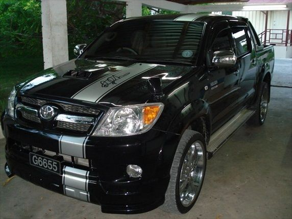 toyota hilux tuning toyota hilux pinterest. Black Bedroom Furniture Sets. Home Design Ideas