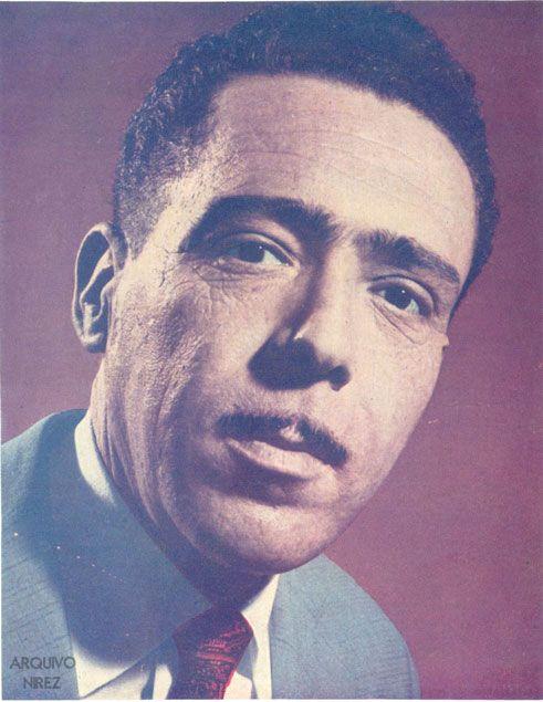 Há 100 anos nascia o cantor e compositor ANÍSIO SILVA. Relembrem alguns de seus sucessos.