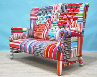 Handgefertigte Grosse Zweisitzer Sofa Mit Vintage Suzani Und Fuchsia