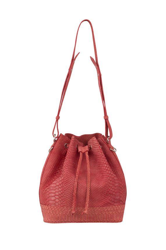 Leather bucket bag 833dc827d97