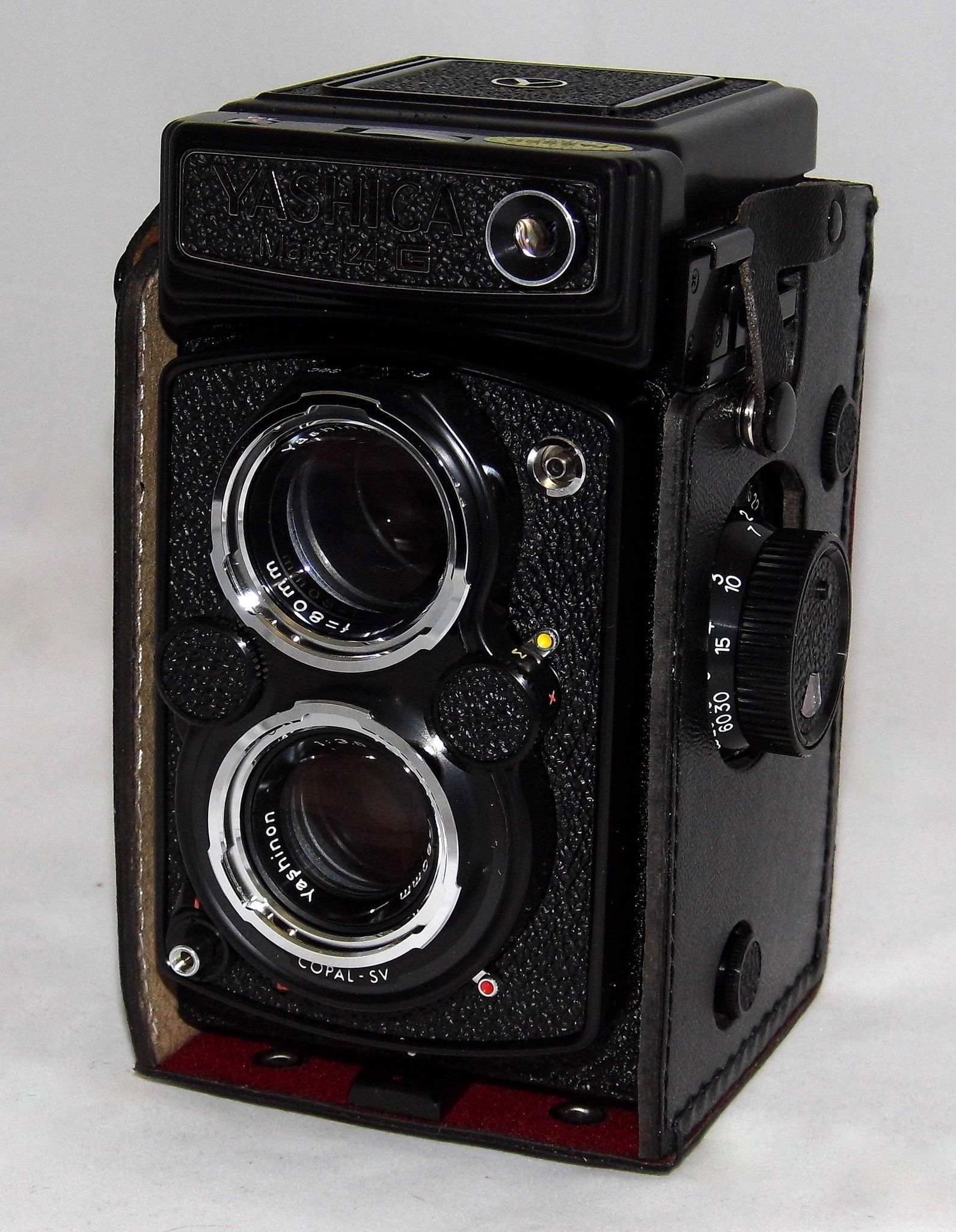 Vintage Yashica Mat 124g Twin Lens Reflex Film Camera Made In Japan Film Camera Camera Lens