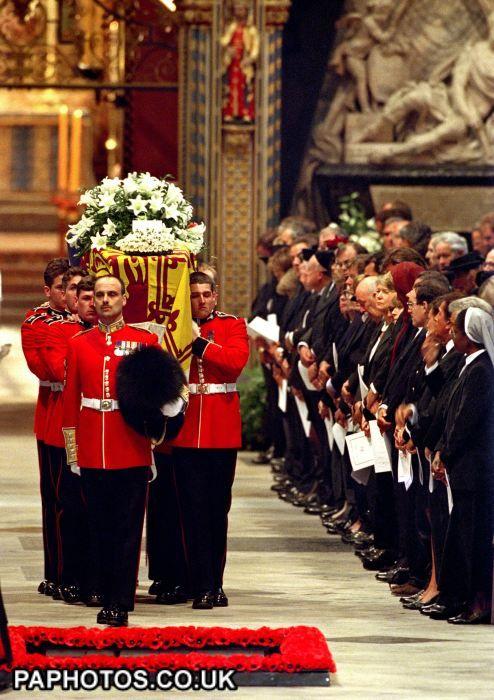 Photos of Princess Diana's funeral | Princess Diana ...