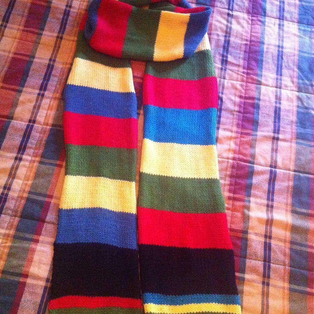 Bufanda de Hogwarts. Pronto a la venta en mi futura tienda. #harrypotter #hogwarts #potterheads #scarf #bufanda