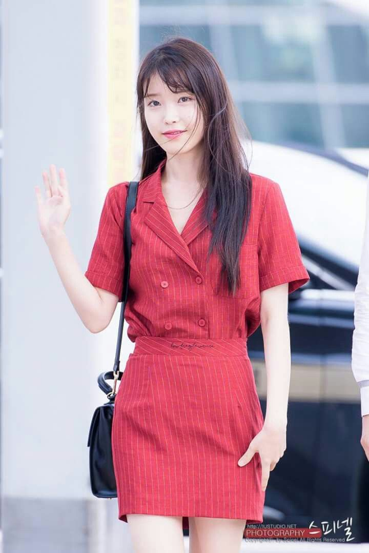 IU 160729 Incheonairport departing for chongQing