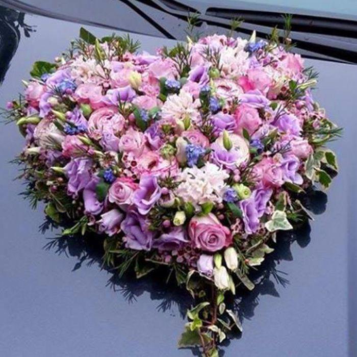 Brautauto in Lila  Blumen fr Hochzeiten in 2019
