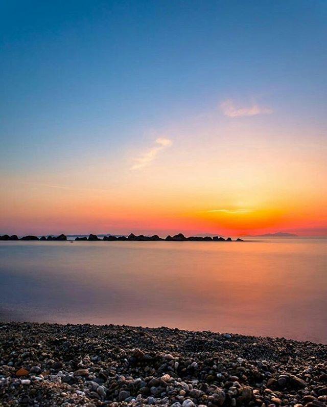 "#Rometta -  ""Lasciami, oh lasciami immergere l'anima nei colori; lasciami ingoiare il tramonto e bere l'arcobaleno."" KhalilGibran  Let me, O let me bathe my soul in colours; let me swallow the sunset and drink the rainbow. Kahlil Gibran  Photo by @olgaquartuccio  #ig_visitsicily #summerinsicily   #sicily"