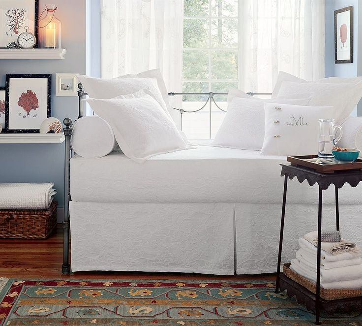 Modern Pottery Barn Daybed With White Cushions Daybeds Pinterest