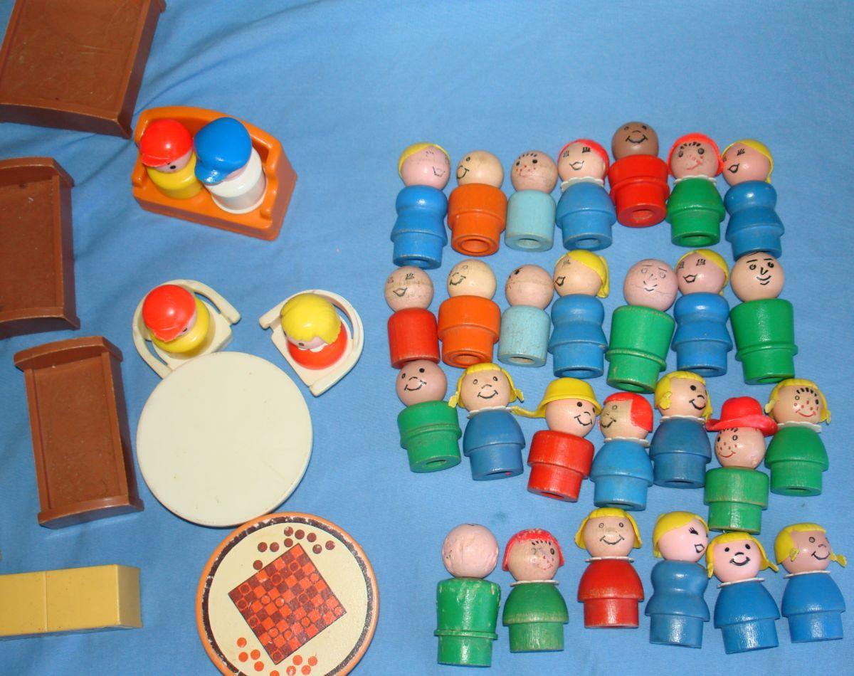 old+toys | ... PLAY FAMILY CAMPER HOUSE SESAME STREET LOT - Vintage Toys (item 325