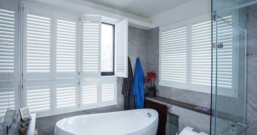 洗練されたお風呂場のポイントは 大きな採光窓 プライバシー確保