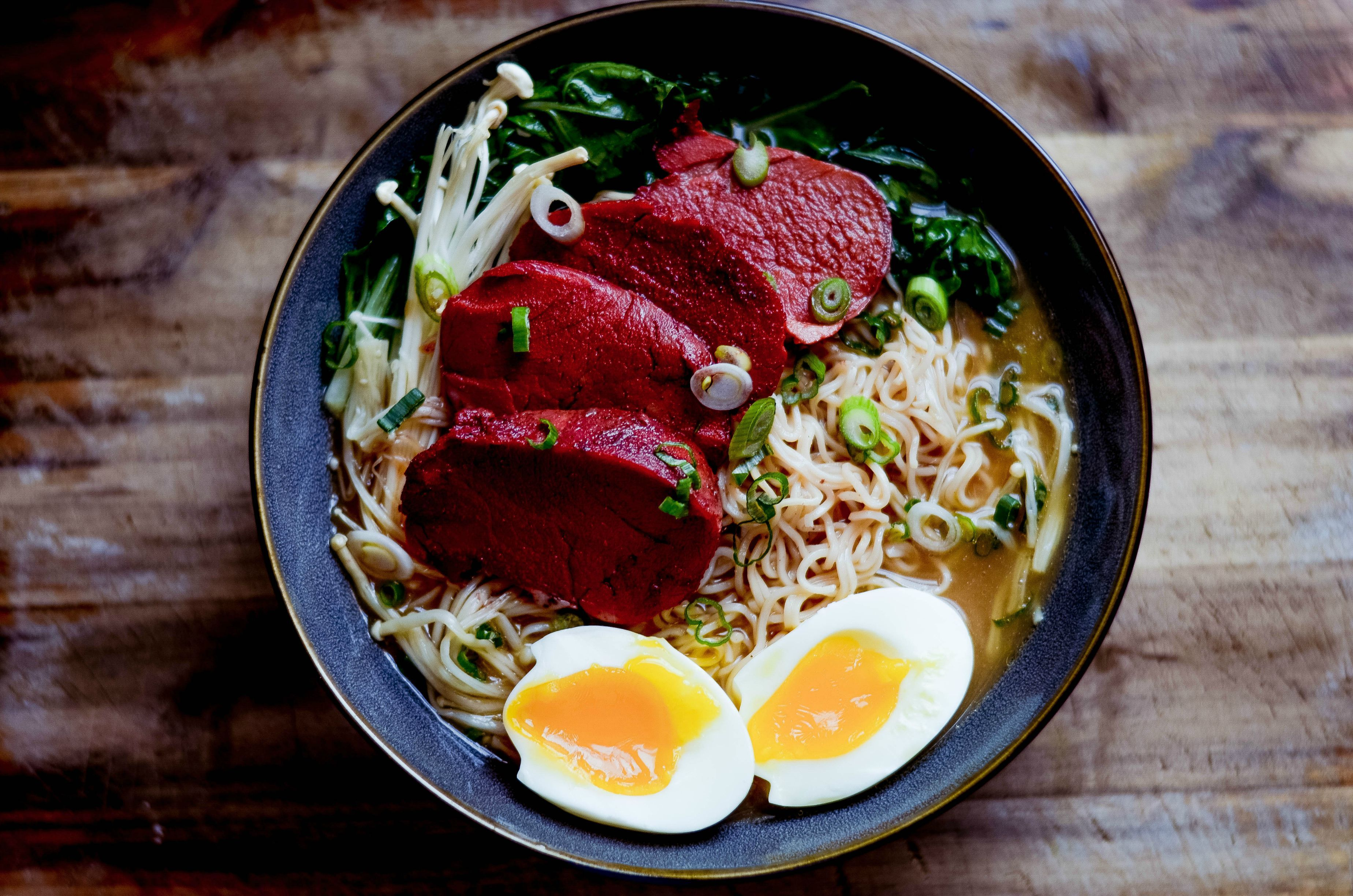 Ramen with char siu and a soft boiled egg