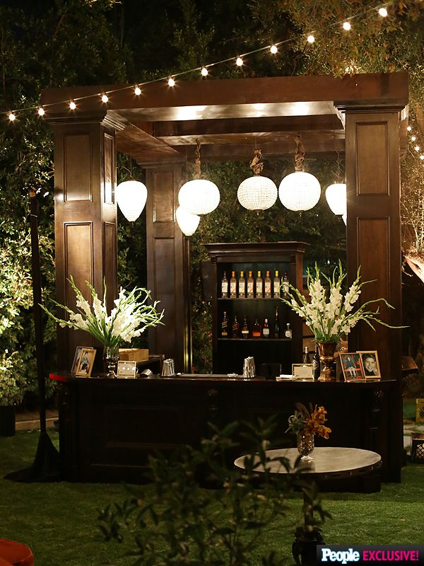 Inside Jesse Tyler Ferguson and Justin Mikita\'s Farm-Style Speakeasy ...