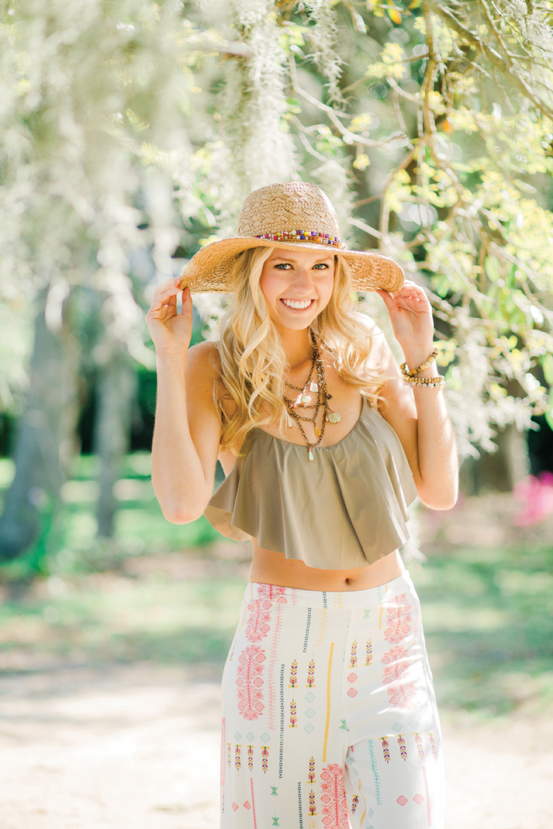 Crop top and flowy pants. #summer #fashion