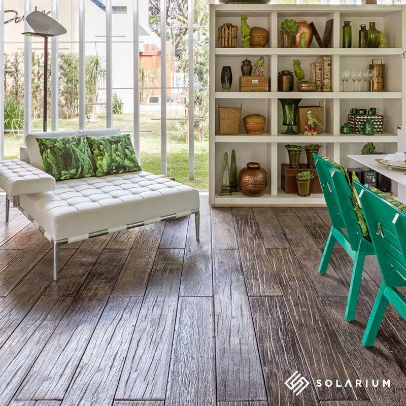 Linha Legno, revestimento cimentício que imita madeira, em projeto de Márcio Correa e Cecília Werneburg.