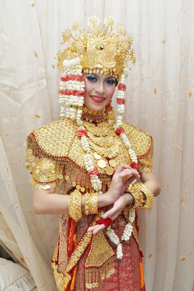 Pakaian Adat Sumatera Selatan Palembang