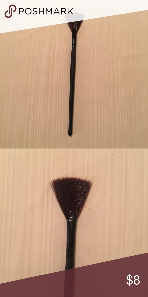 Highlighter brush Highlight fan brush Makeup Brushes