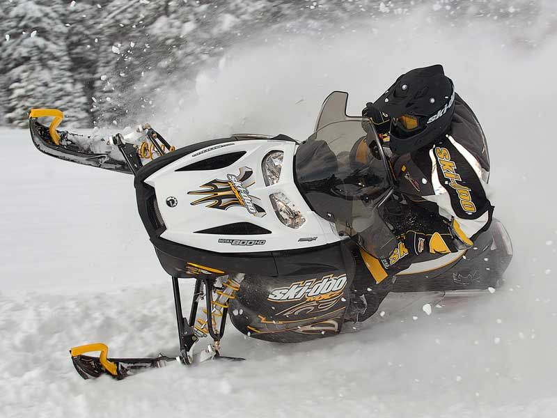 Ski Doo Gsx Snowmobile Skiing