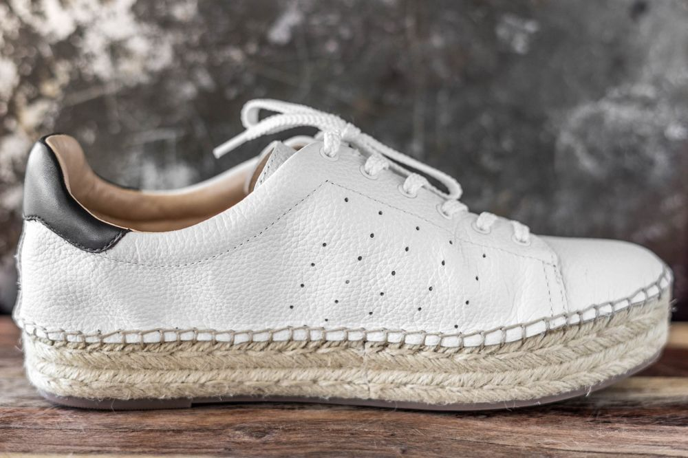 a62f293f1cc VINCE CAMUTO Women s Jinnie Espadrille Sneaker Picket Fence White Size 8.5   fashion  clothing