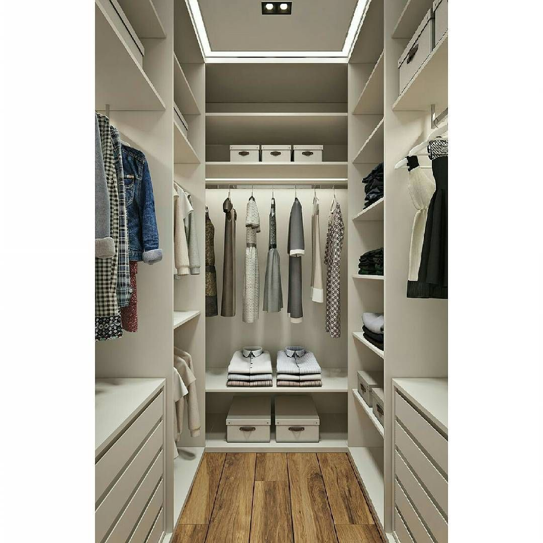 Walk in closet modular! Ave. 27 De febrero, No.490 Tel.: 809-530-1000 #SomosRoica #Roica #jrdiseños #RoicaDesign #RoicaRD #closet #closetdesign #WalkinCloset #beautycloset #wonderful