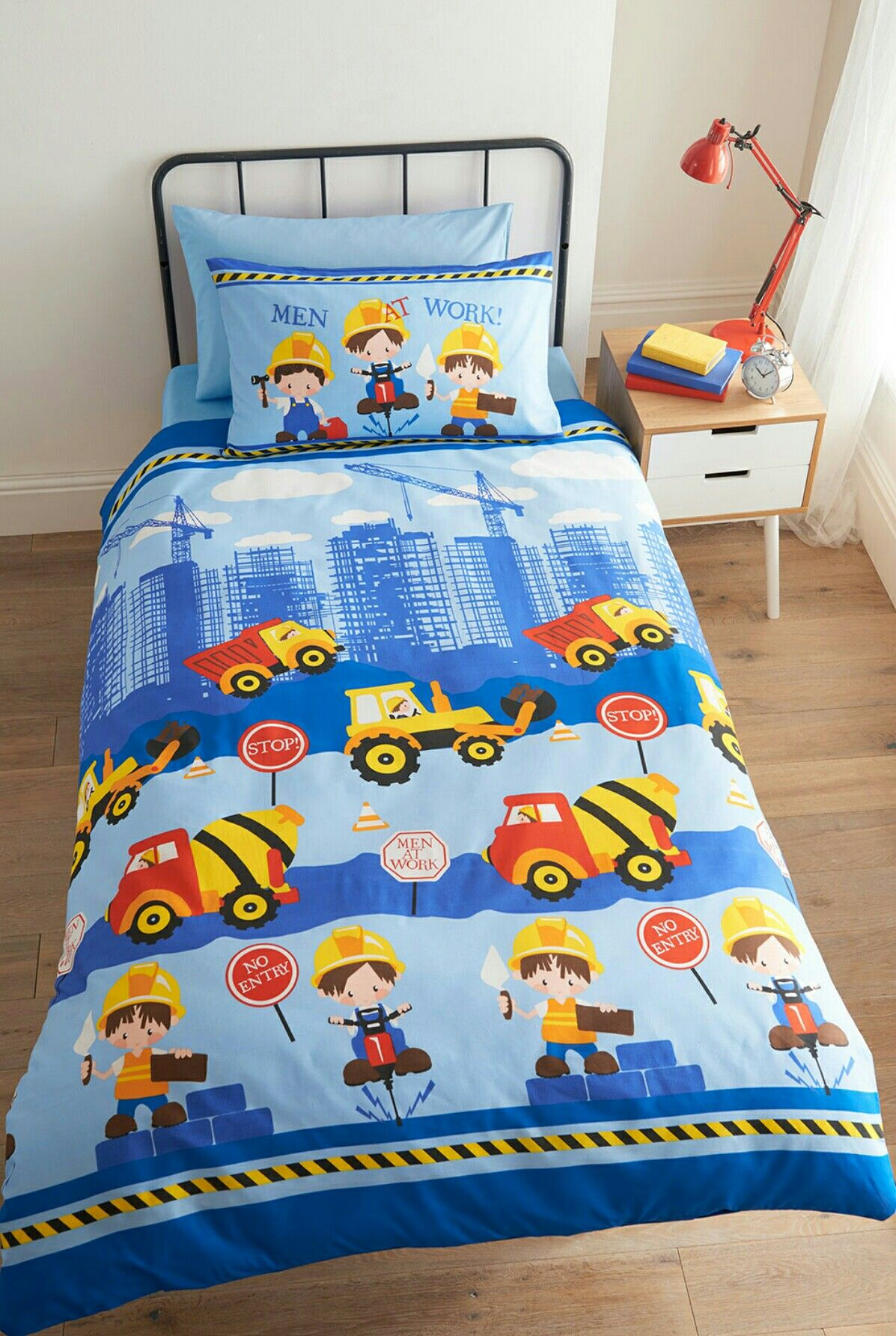 Men At Work Single Duvet Set £12.00 Available in single