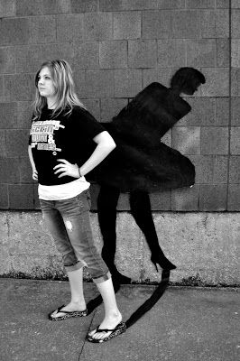 Art Juggler: Shadows run rampant!