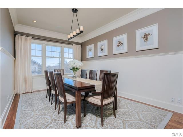 simple small dining room Renting a house, Dining room