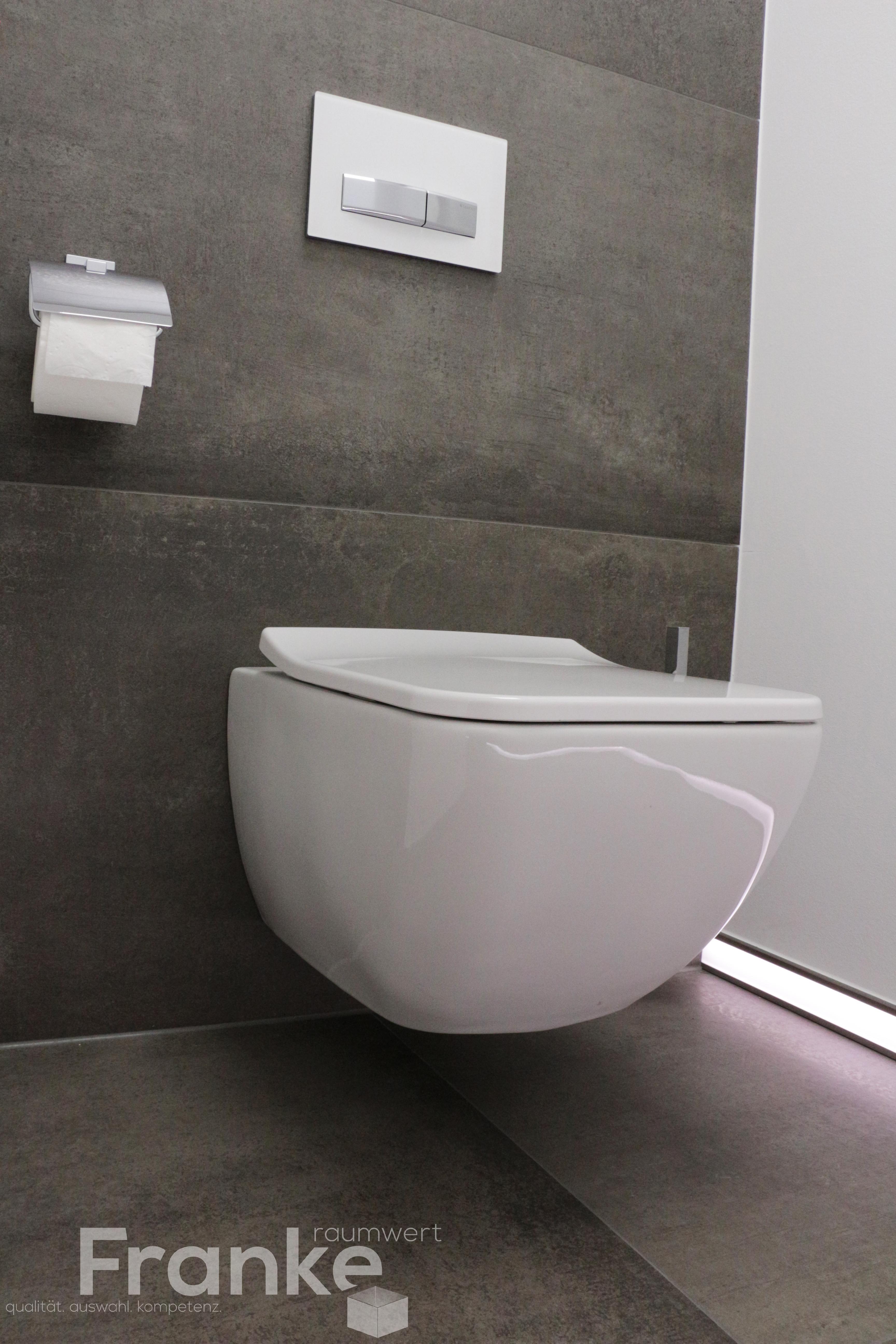 Xxl Format Fliesen Im Grossformat Bis Zu Einem Mass Von 80x180 Cm Das Neue Villeroy Boch Tiefspul Wc Vinticello Http W Badezimmer Badezimmerboden Wc Sitz