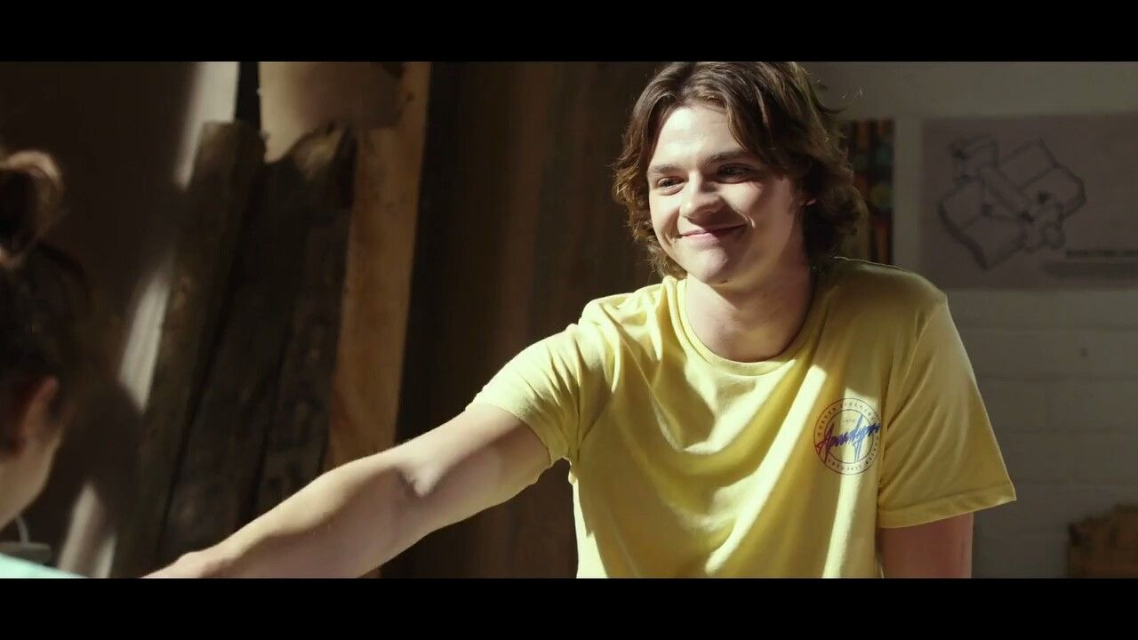Joel Courtney as Lee Flynn in The Kissing Booth | Random