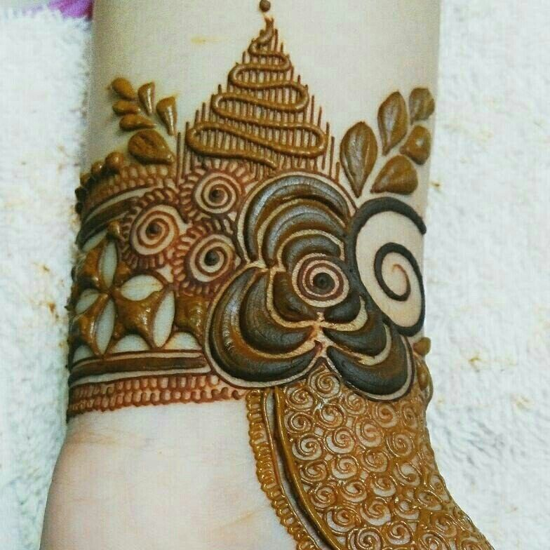 25 Magnificent Henna Cuff Designs For Inspiration: Henna Designs, Stylish Mehndi