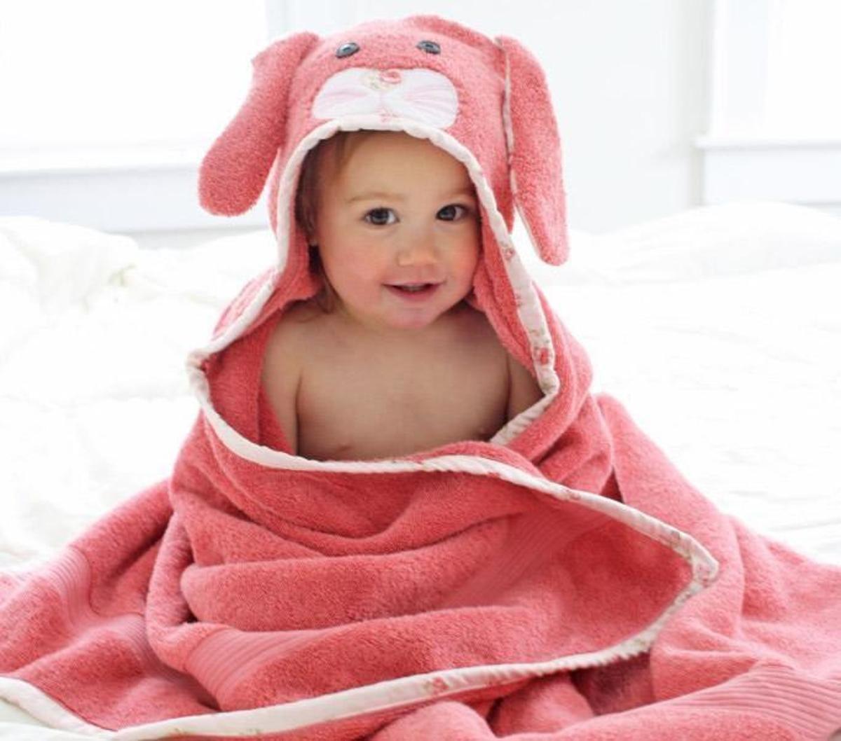 Free Hooded Towel Tutorial – Bunny & Fox | Craftsy | Sewing ideas ...