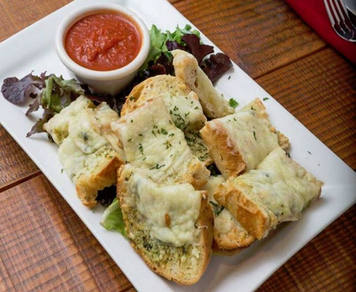 Vero Amore Garlic Cheese Bread Great Starter Discover Your Love For True Italian At Our 2 Convenient Locations Marana With Images Food Drink Thrive Recipes Food