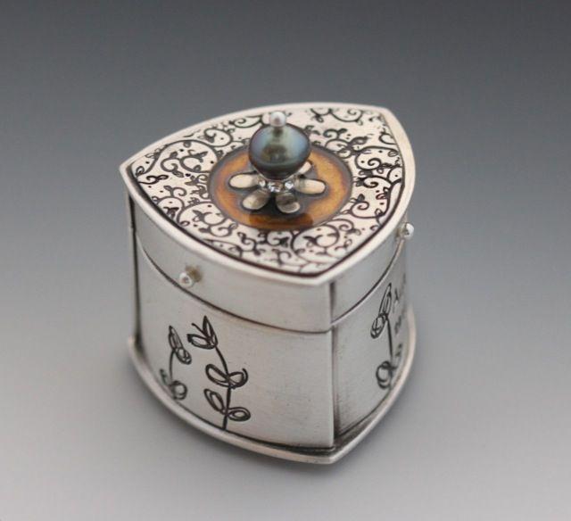 16 Best Ceramics images   Ceramics, Ceramic boxes, Clay box   Metal Clay Boxes