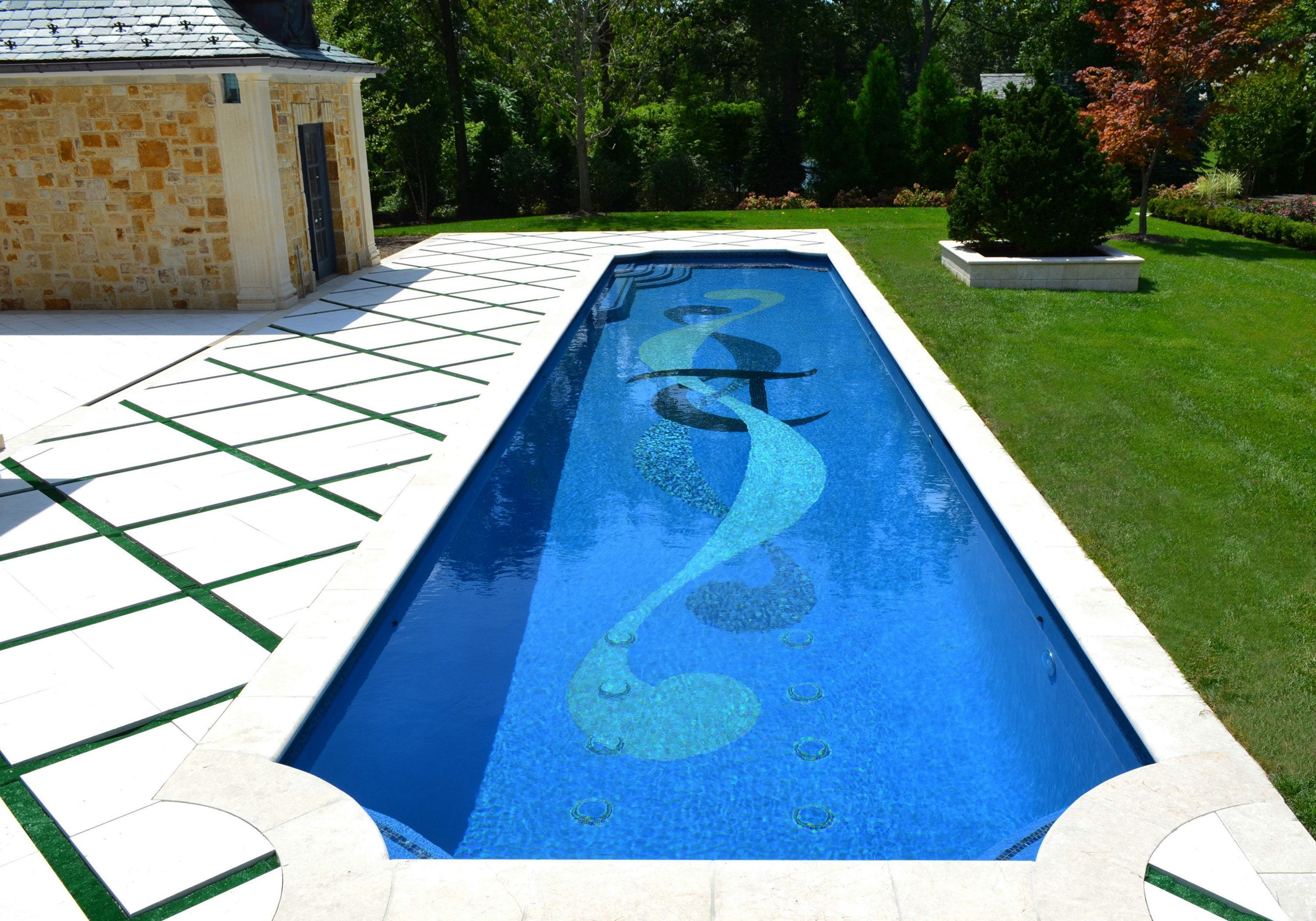 bust of Swimming Pool Design for Your Beautiful Yard