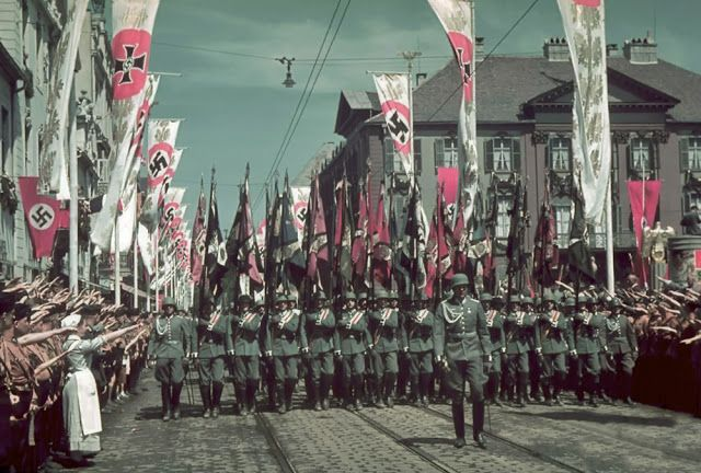 vintage everyday: Rare WWII Color Photographs Taken by Hitler's Personal Photographer