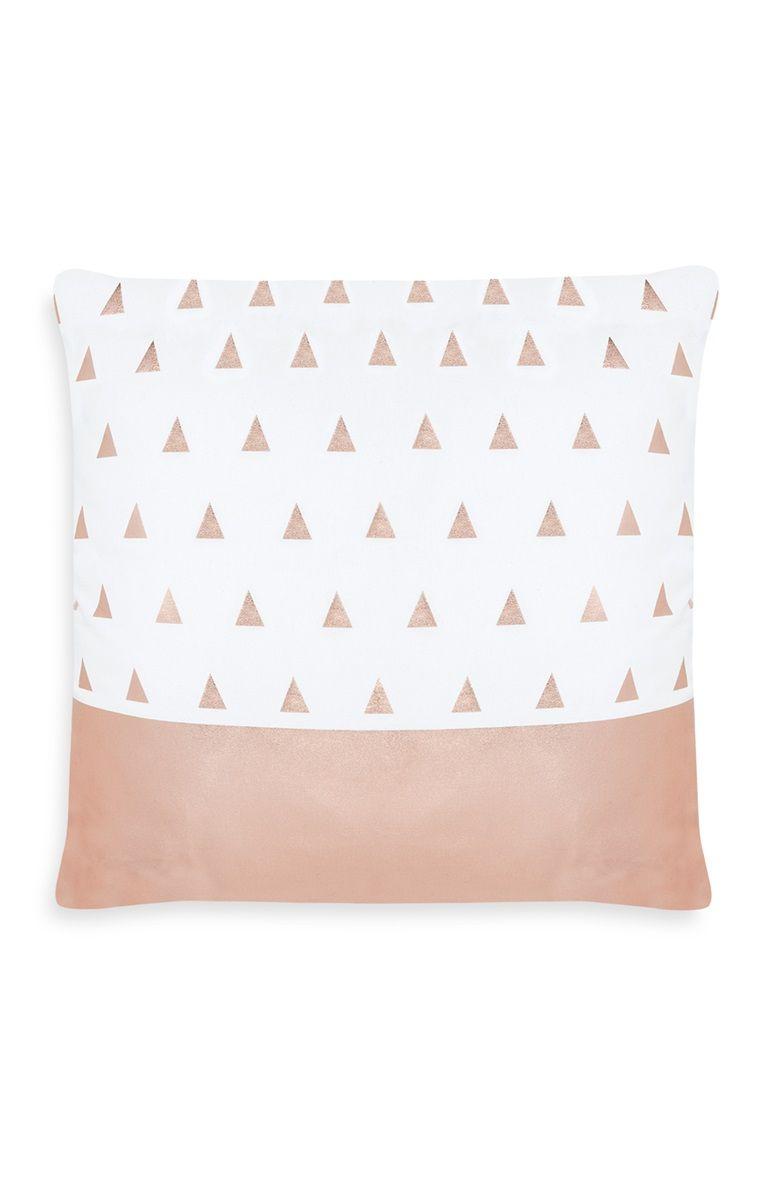 Coussin cuivre à motif triangles   Chambre déco ♡♡   Deco ... 6cdfba4a3f61