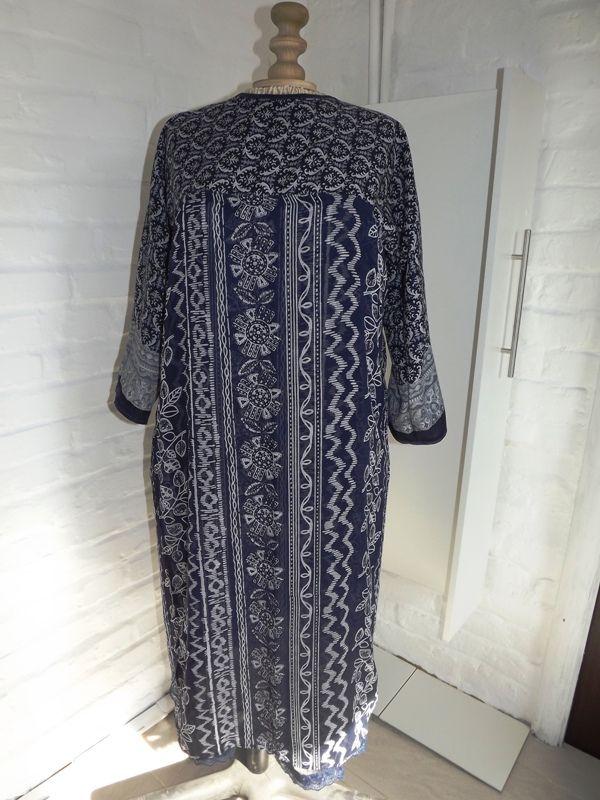 платье из павлопасадского шарфа и палантина