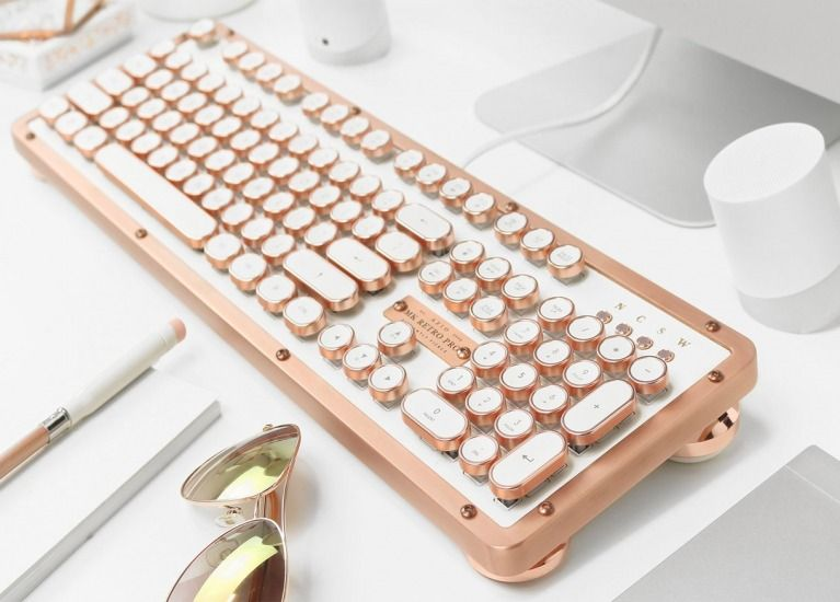 Azio Retro Classic Artisan Luxury Vintage Backlit Mechanical Usb Keyboard With Leather Top And Zi Vintage House Traditional Interior Design Home Decor Styles