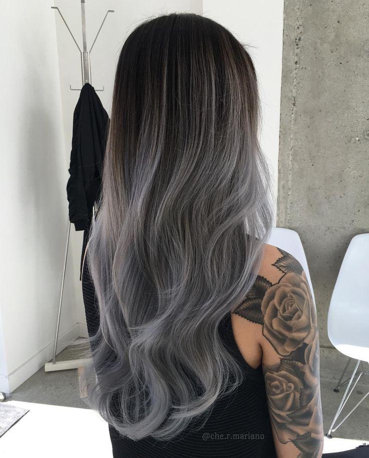 Cabello color gris con negro