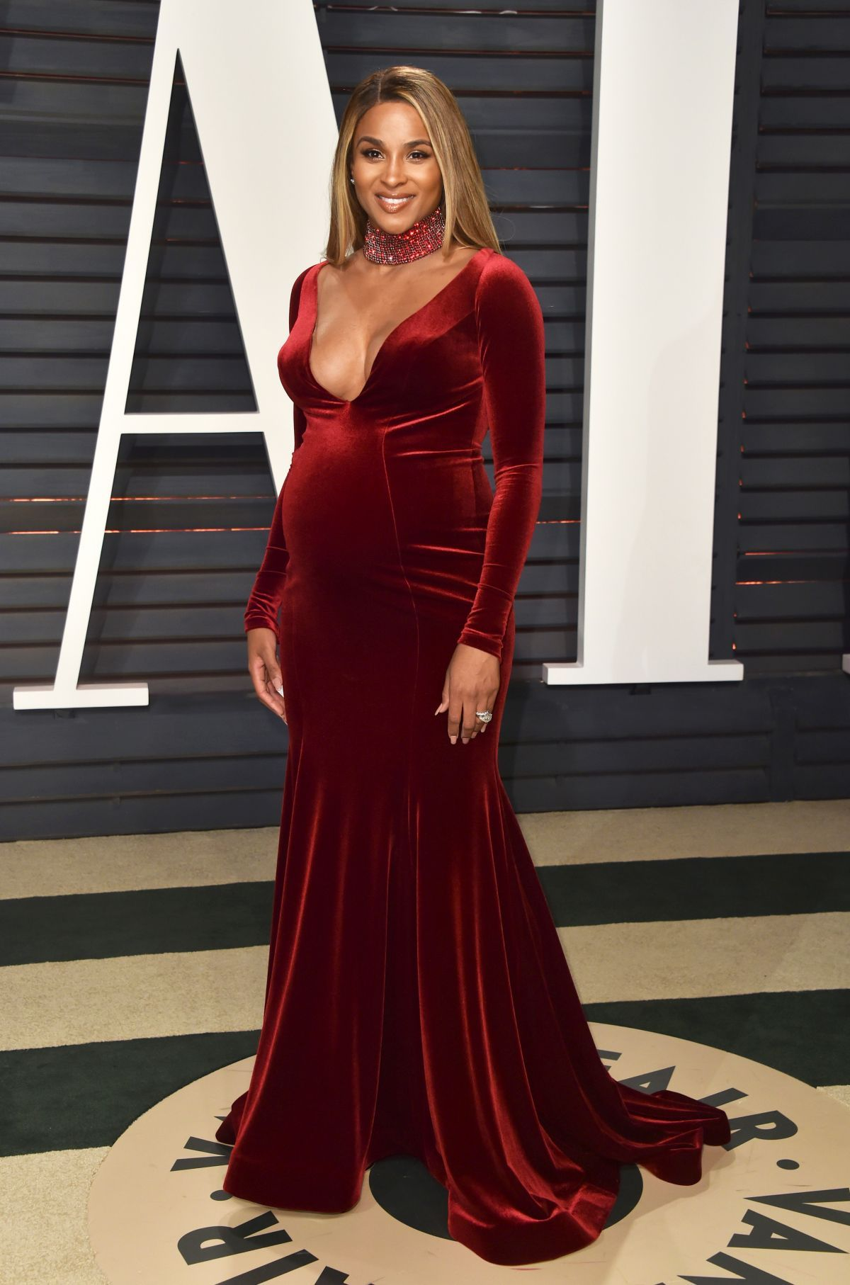 GEMMA - Dusty Pink in 2019 | Celebrity Maternity Style ...