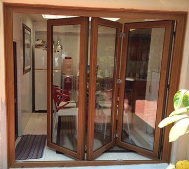 Puertas plegables sisvent elementos pinterest puertas plegables ventana y terrazas - Puertas de acordeon de madera ...