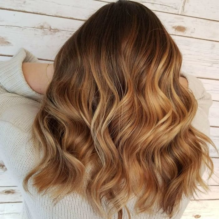 Tie and dye cheveux blond sur blond