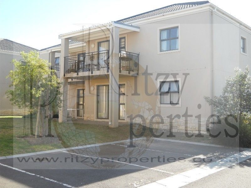 Really Nice Apartment Spacious And In Security Complex Somerset West Gumtree Classifieds South Africa 180381096 Cool Apartments Flat Rent House Rental