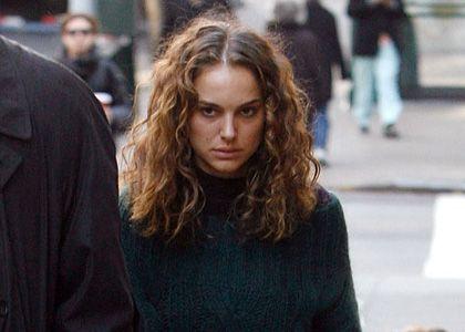 Natalie Portman Jpg 420 300 Natural Hair Styles Honest Beauty Curly Hair Styles